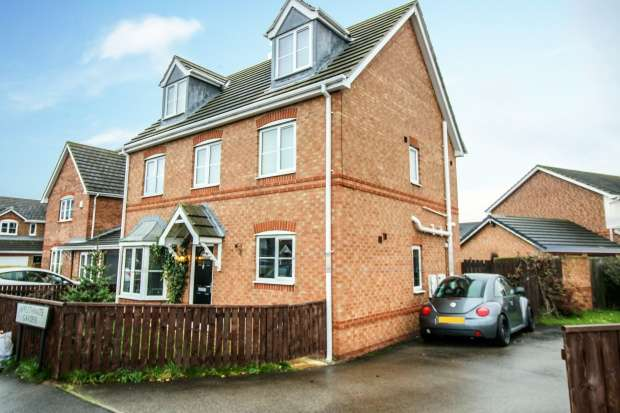 Detached House for sale in Applethwaite Gardens, Saltburn-By-The-Sea, Cleveland, TS12 2WF