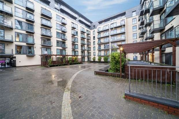 1 Bedroom Flat for sale in 26 High Street, Slough, Berkshire