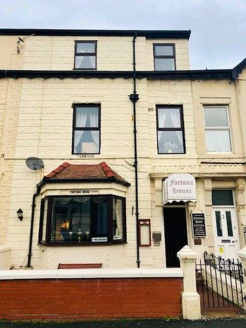 11 Bedrooms Hotel Gust House for sale in Rawcliffe Street, Blackpool, FY4