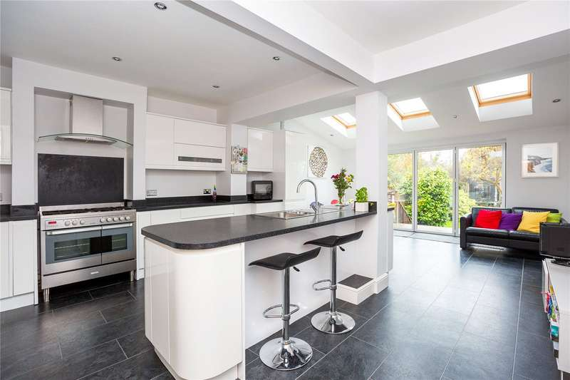 5 Bedrooms Terraced House for sale in Park Road, Brentwood, Essex, CM14