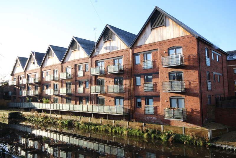2 Bedrooms Flat for sale in The Boatyard, Upper Cambrian Road
