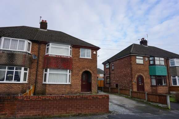 3 Bedrooms Detached House for sale in Marina Avenue