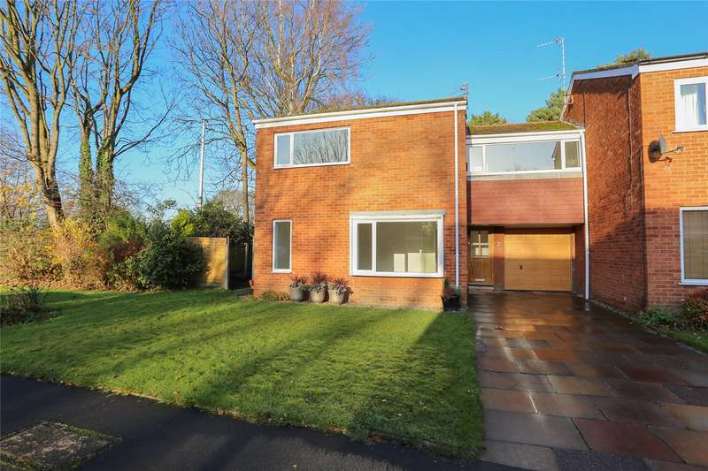 4 Bedrooms End Of Terrace House for sale in Pinewood Close, Heaton Mersey, Stockport, SK4