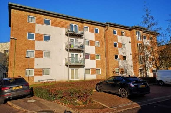1 Bedroom Property for sale in Observer Drive, West Wat, Watford, WD18