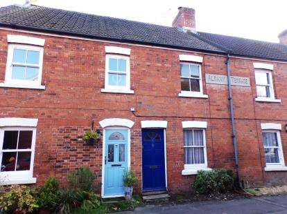 2 Bedrooms Terraced House for sale in Ringwood, Hampshire