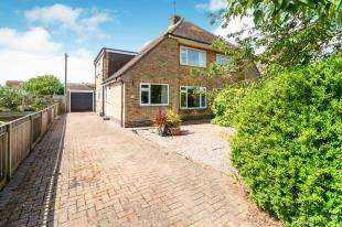 4 Bedrooms Semi Detached House for sale in Blenheim Road, Littlestone, New Romney, Kent