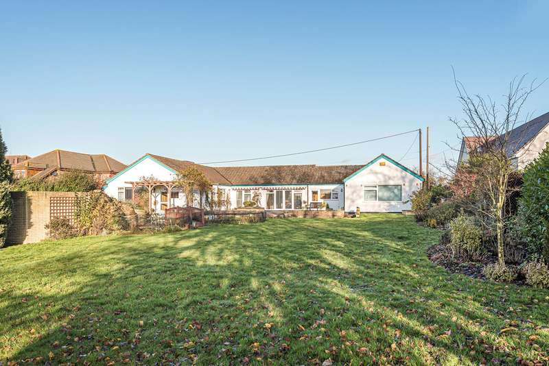 4 Bedrooms Detached Bungalow for sale in Sand Road, Flitton, MK45