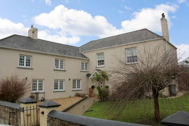 6 Bedrooms Detached House for sale in Shebbear, Beaworthy, Devon, EX21 5RA