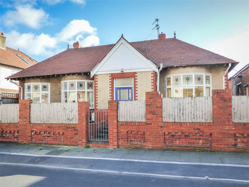 2 Bedrooms Detached Bungalow for sale in Gloucester Avenue, Blackpool, Lancashire