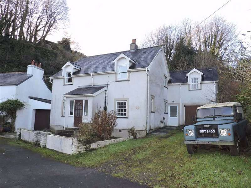 5 Bedrooms Detached House for sale in The Slade, Fishguard
