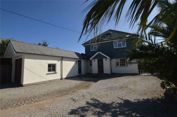 5 Bedrooms Detached House for sale in White Cross, Cury, Helston, Cornwall
