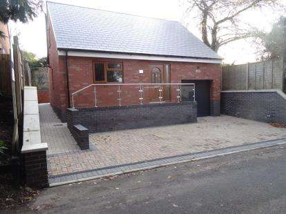 3 Bedrooms Bungalow for sale in Hall Road, Wolvey, Hinckley, Warwickshire