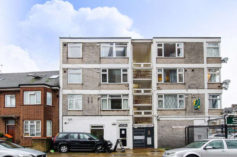2 Bedrooms Flat for sale in Litchfield Avenue, Stratford, E15