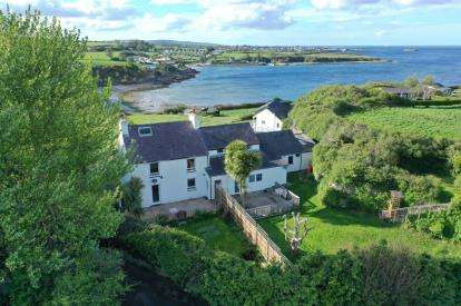 3 Bedrooms Semi Detached House for sale in Dinas Bay, Amlwch Road, Benllech, Anglesey, LL74