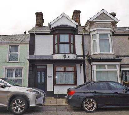 3 Bedrooms Terraced House for sale in High Street, Penrhyndeudraeth, Gwynedd, LL48