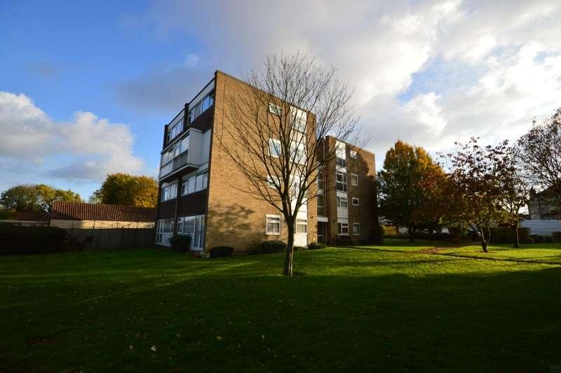 3 Bedrooms Apartment Flat for sale in Elmfield Court, Wickham Street, Welling, Kent, DA16