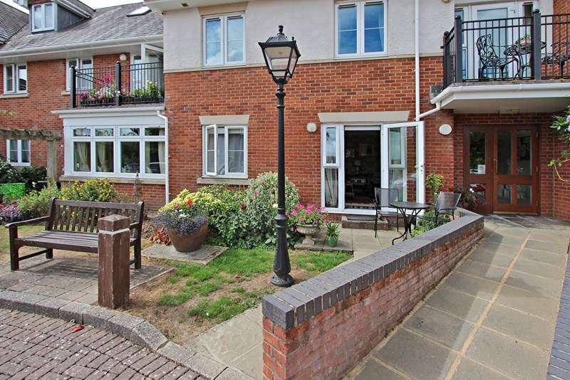 1 Bedroom Apartment Flat for sale in Latchmoor Court, Brookley Road, Brockenhurst, Hampshire, SO42