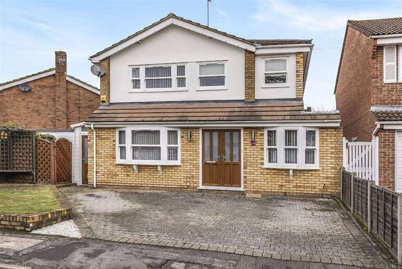 5 Bedrooms Detached House for sale in Long Drive, Burnham, SOUTH