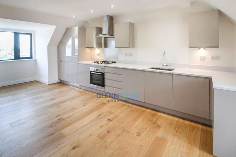 2 Bedrooms Penthouse Flat