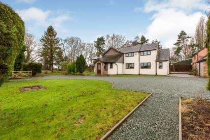 5 Bedrooms Detached House for sale in Clay Lane, Moston, Sandbach, Cheshire