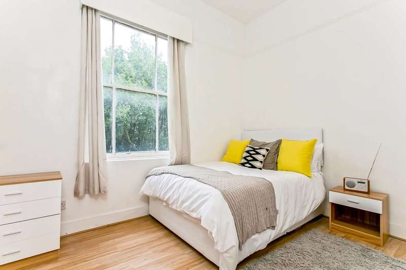 1 Bedroom Flat for sale in Holmesdale Road, South Norwood, SE25