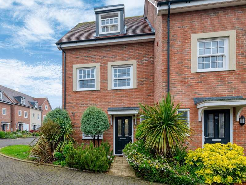 3 Bedrooms Town House for sale in Princes Court, Royston, SG8