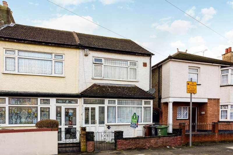 3 Bedrooms Property for sale in Gordon Road, Chadwell Heath, Romford, RM6