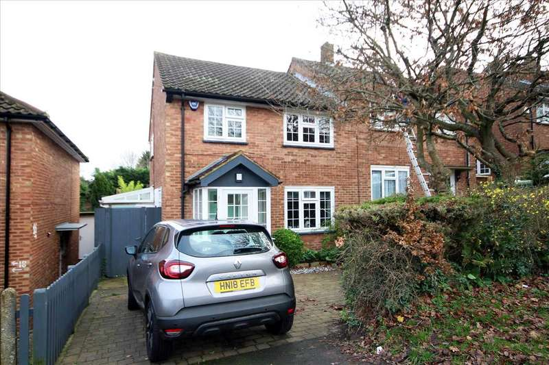3 Bedrooms Semi Detached House for sale in Catsey Lane, Bushey Heath, WD23.
