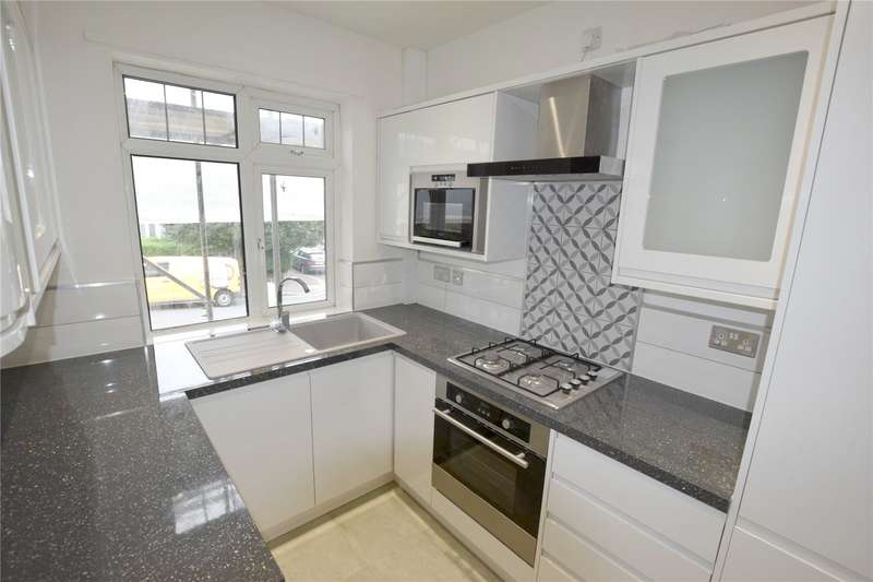 2 Bedrooms Apartment Flat for sale in Avenue Court, The Avenue, Coulsdon