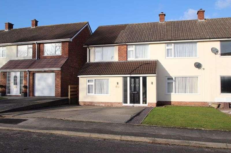4 Bedrooms Property for sale in Burley Gardens, Street