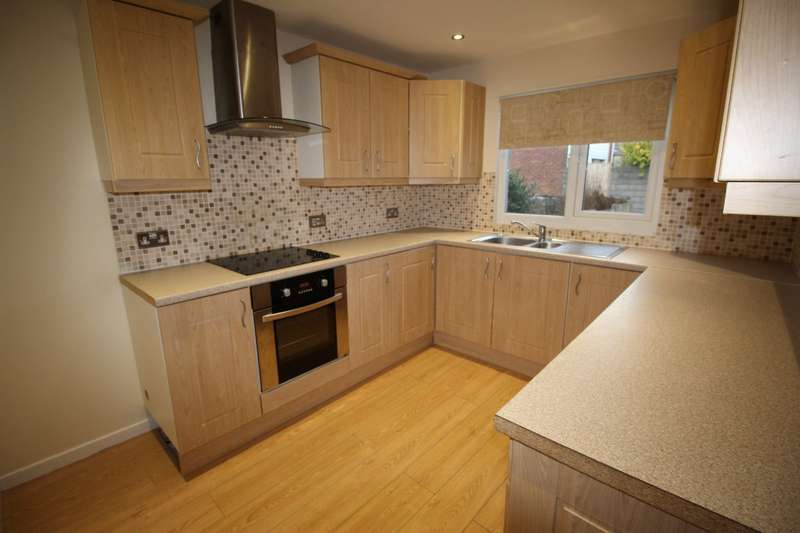 3 Bedrooms Property for sale in Millrose Close, Skelmersdale, WN8