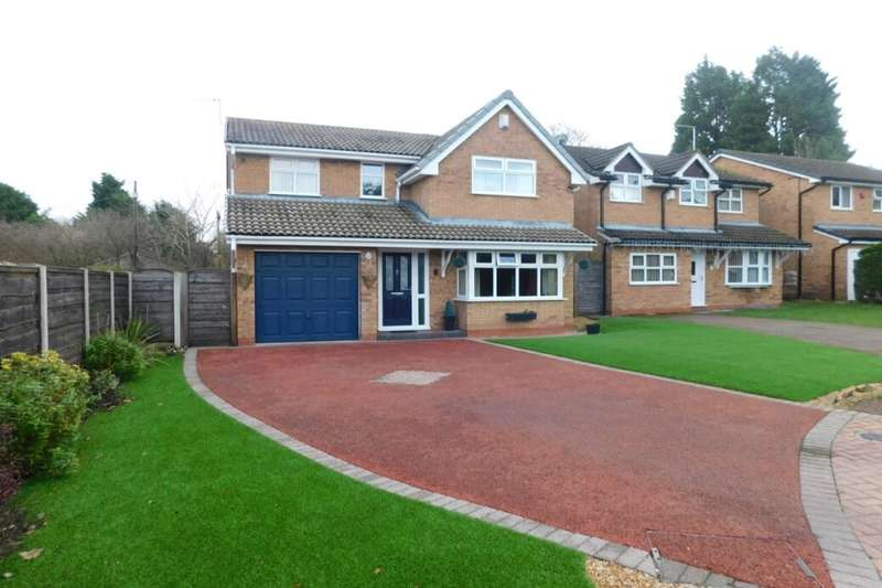 4 Bedrooms Detached House for sale in Ullswater Avenue, Crewe, CW2