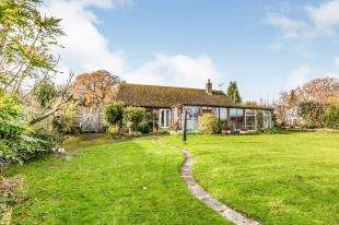 3 Bedrooms Bungalow for sale in Horns Road, Hawkhurst, Cranbrook, Kent