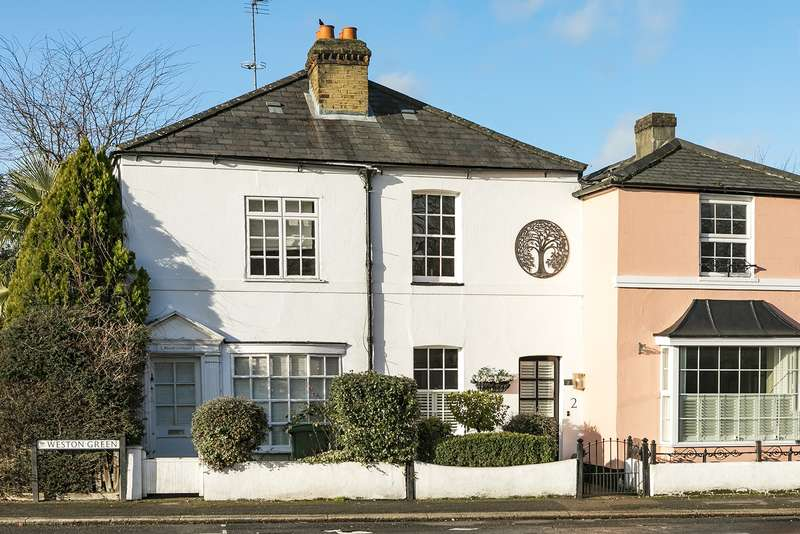 2 Bedrooms Terraced House for sale in Woods Cottages, Weston Green, Thames Ditton, KT7