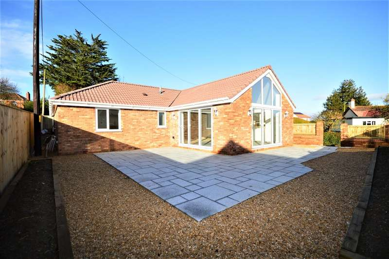2 Bedrooms Detached Bungalow for sale in Sandpits Hill, Langport, Somerset, TA10