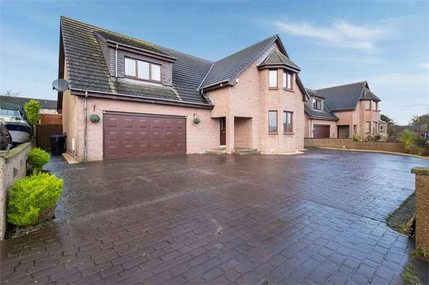 4 Bedrooms Detached House for sale in Montrose Road, Inverbervie, Montrose, Aberdeenshire