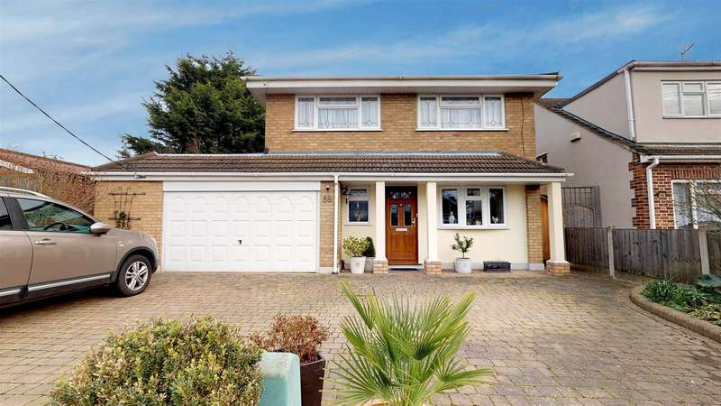 4 Bedrooms Detached House for sale in Golden Cross Road, Rochford