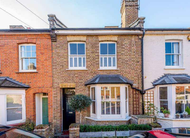 3 Bedrooms Terraced House for sale in Lindum Road, Teddington, TW11