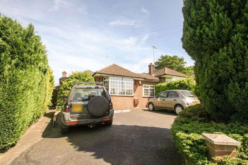 Property for sale in OAKWOOD, ENFIELD EN2