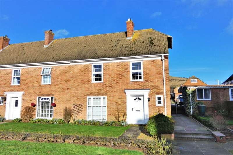 4 Bedrooms Semi Detached House for sale in Gainsborough Close, Folkestone, CT19