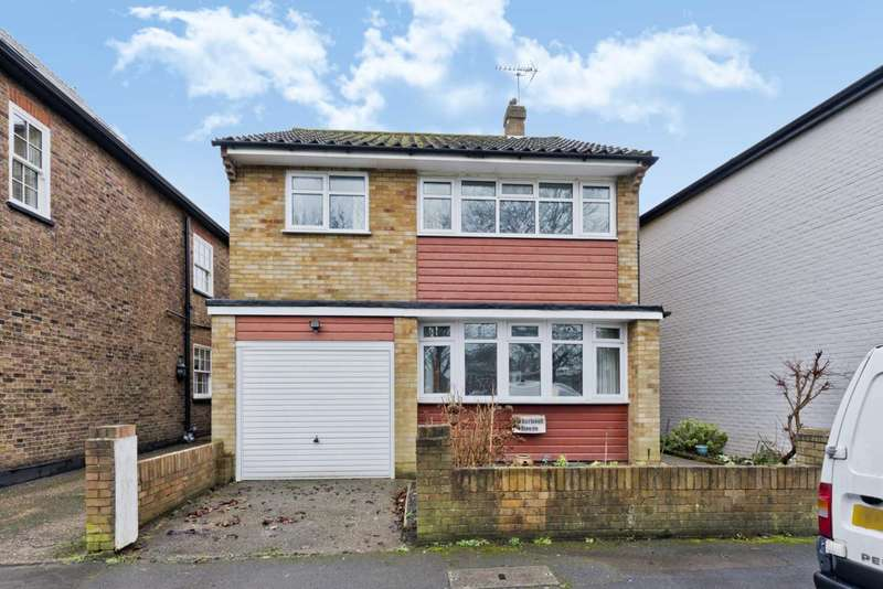 3 Bedrooms Detached House for sale in Cedarwood House, Weston Green