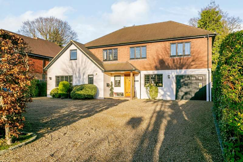4 Bedrooms Detached House for sale in High Park Avenue, East Horsley, KT24