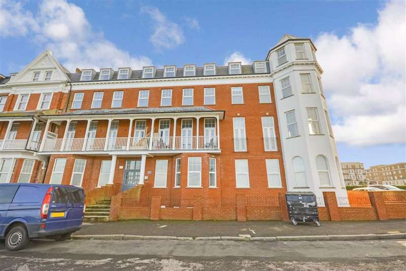 2 Bedrooms Flat for sale in First Avenue, Margate, Kent