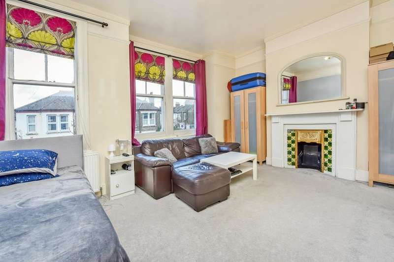 2 Bedrooms Flat for sale in Southcroft Road, London SW17