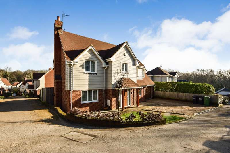 5 Bedrooms Detached House for sale in The Russets, St Leonards on Sea, TN37