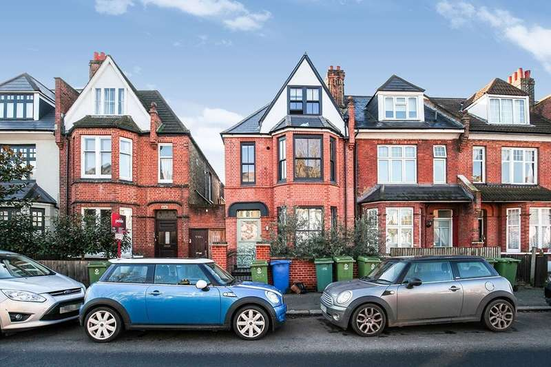 3 Bedrooms Semi Detached House for rent in Lordship Lane, London, SE22