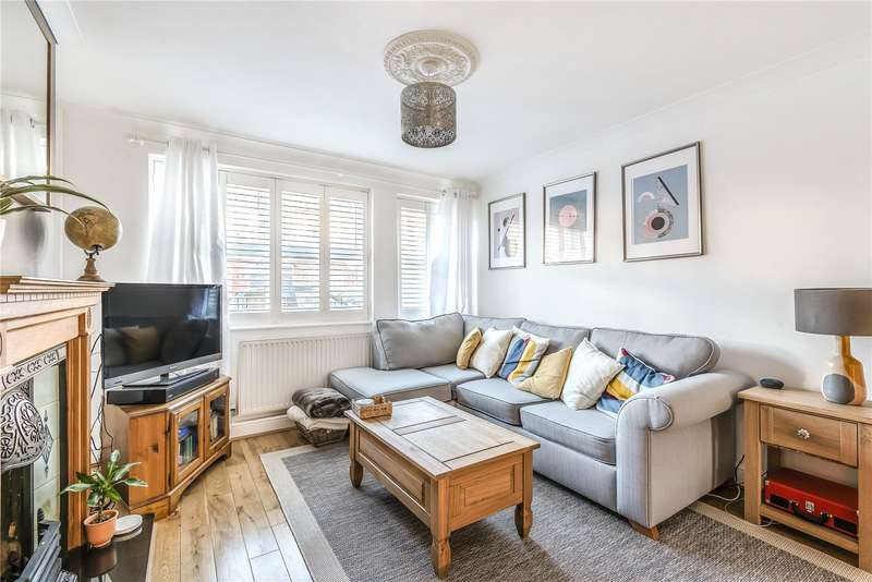 2 Bedrooms Semi Detached House for sale in Tottenhall Road, Palmers Green, London, N13