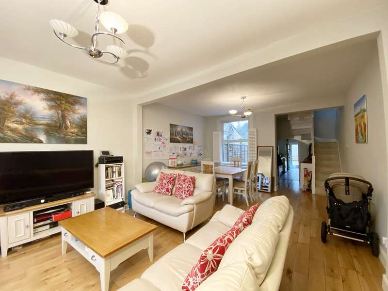 2 Bedrooms House for rent in St Francis Road, East Dulwich
