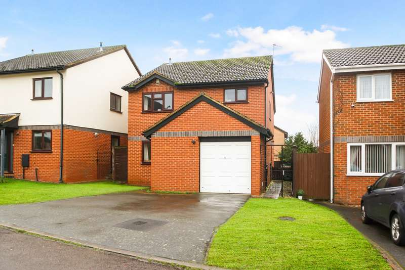 4 Bedrooms Detached House for sale in Stuart Way, Thame OX9