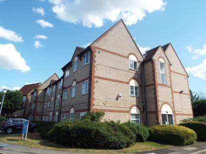 1 Bedroom Flat for sale in Greenwich Court, Parkside, Waltham Cross, Hertfordshire